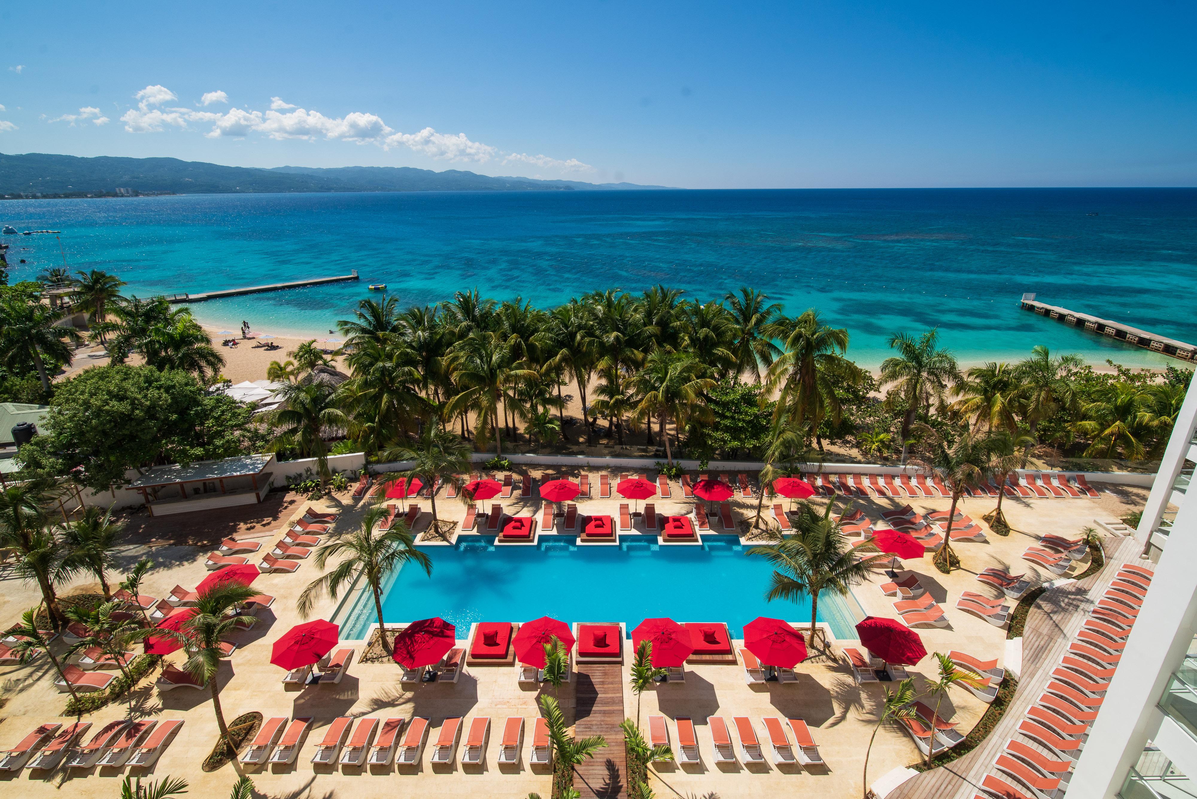 S Hotel Jamaica Main Pool Deck SCP2-107